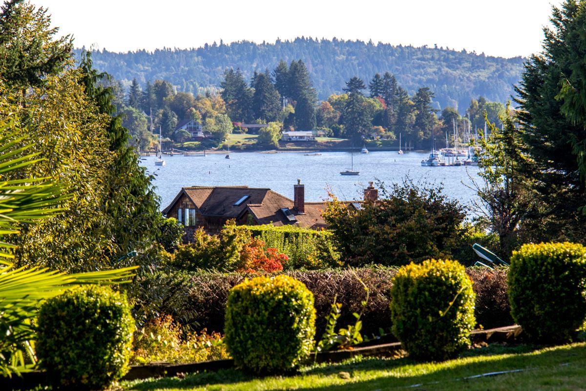 Mansions in overlooking Quartermaster Harbor & Mt. Rainer