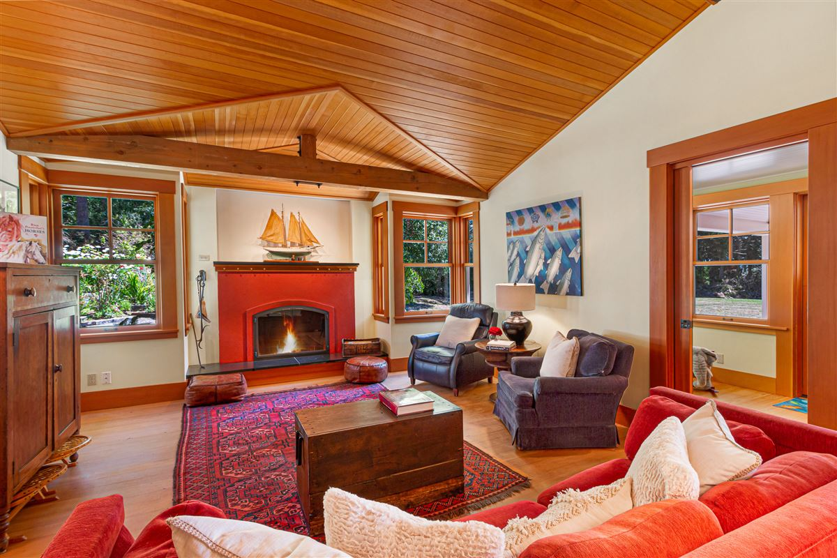 Luxury real estate signature Lopez estate