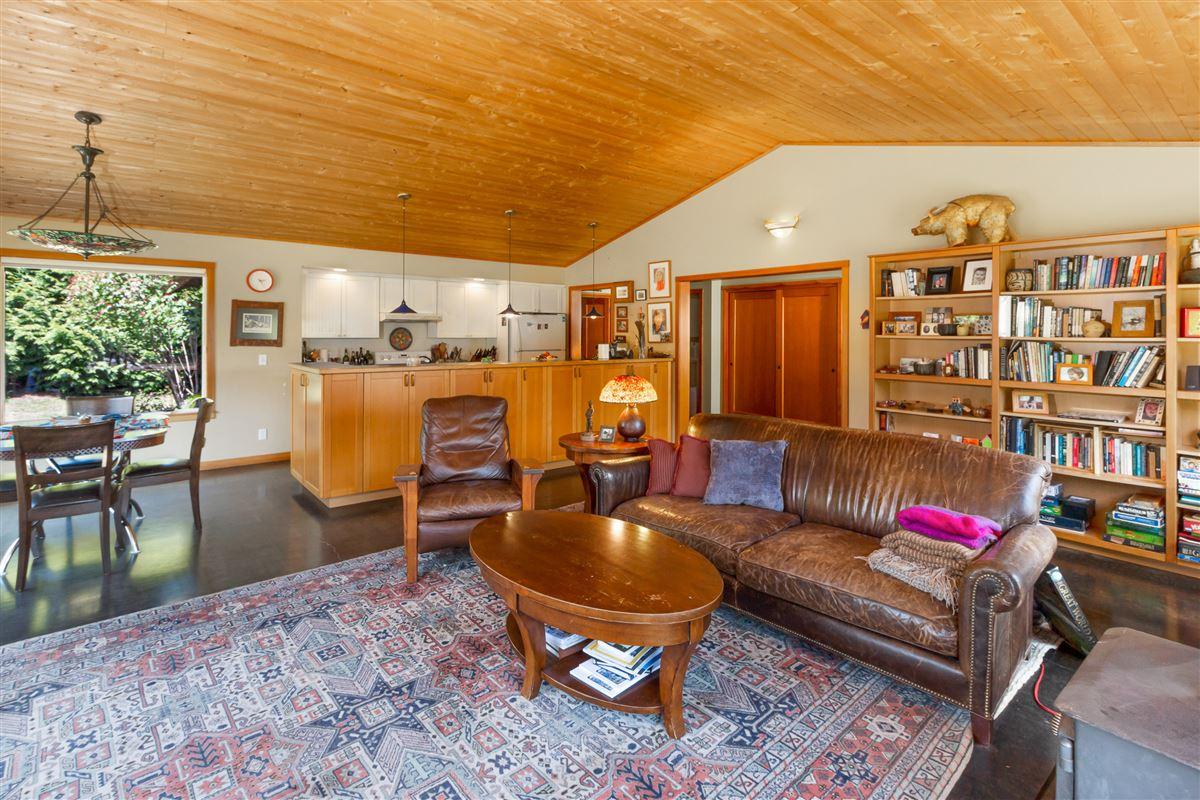 Luxury properties signature Lopez estate