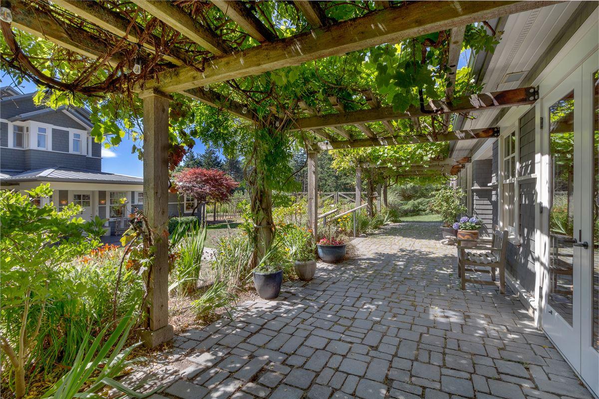 Mansions in signature Lopez estate