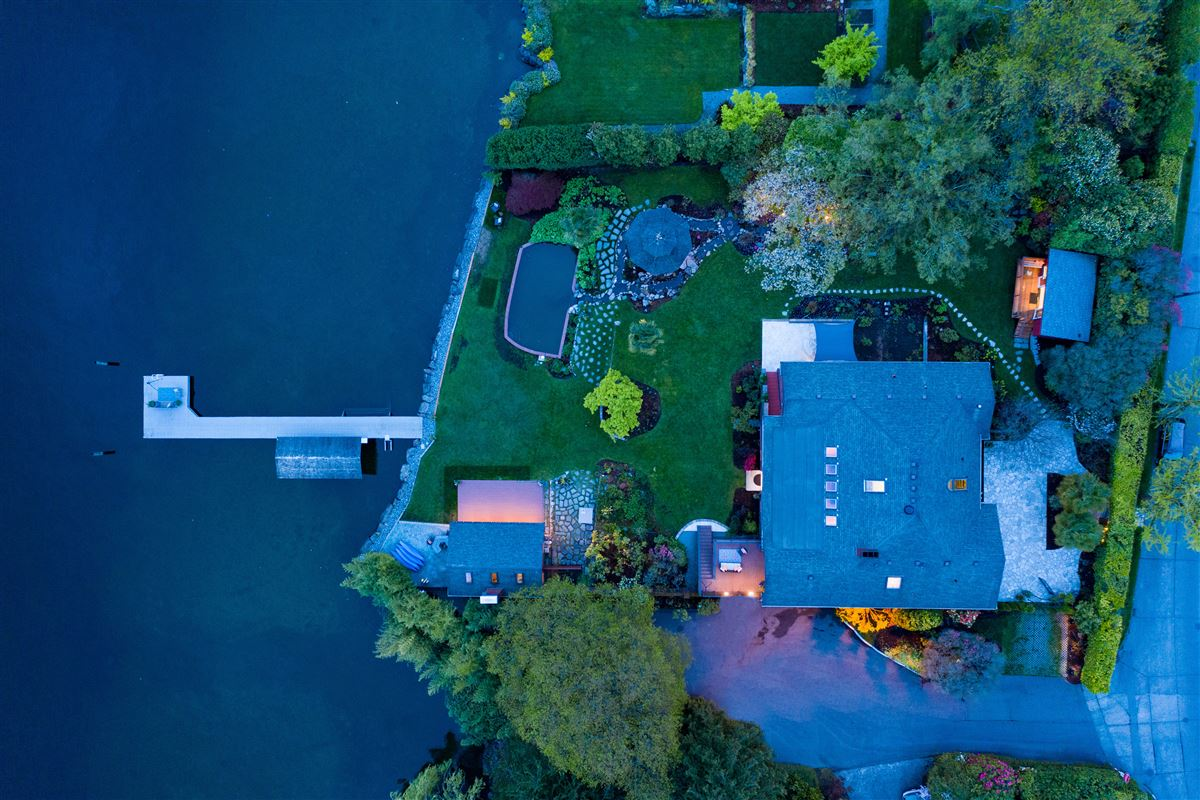Luxury homes Private Lake Washington walled compound
