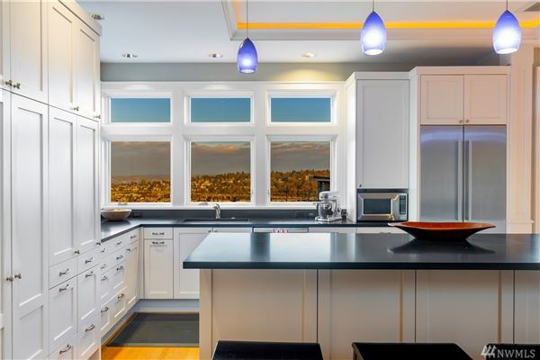 Luxury homes in Perfection on Bigelow