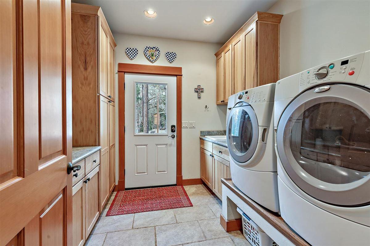 Luxury properties Premier rural home on Big Butte Creek