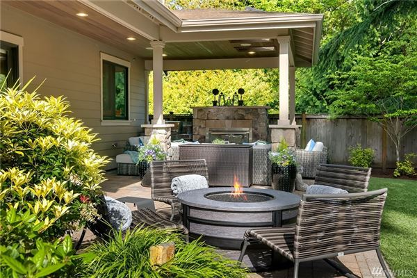Mansions in immaculate Northwest Craftsman