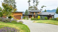 Pacific Northwest Contemporary waterfront estate luxury homes