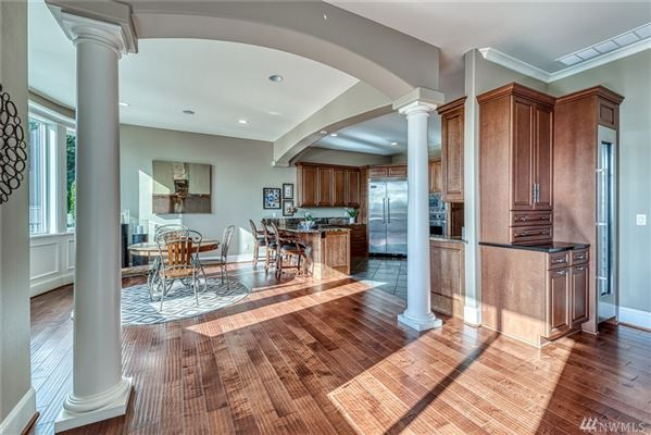 Mansions Impeccably maintained and upgraded home
