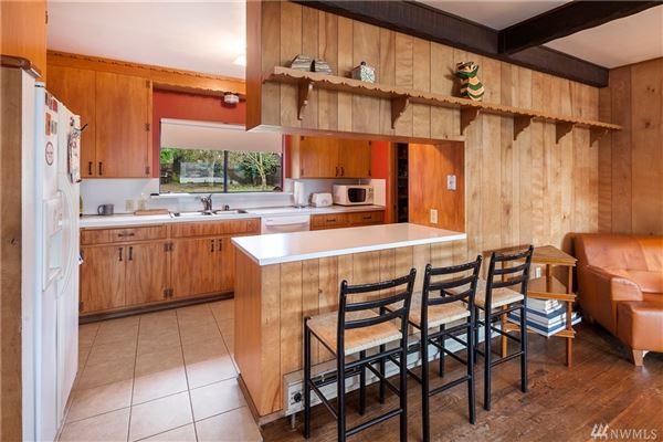 Luxury properties iconic Lake Haven