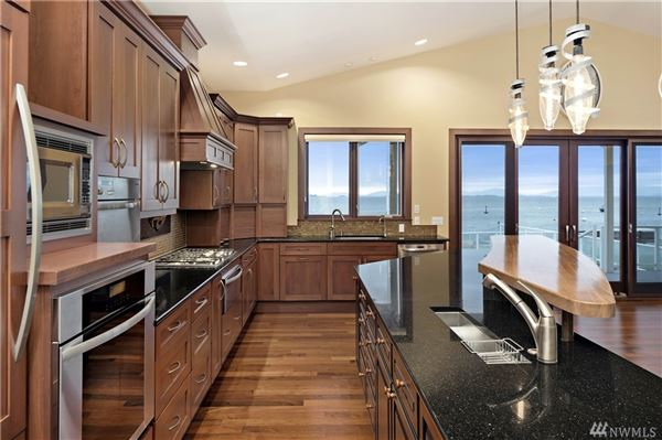 Luxury real estate single-level home on desirable beach
