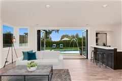Blissfully private clyde hill home luxury properties