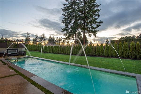 Blissfully private clyde hill home luxury homes