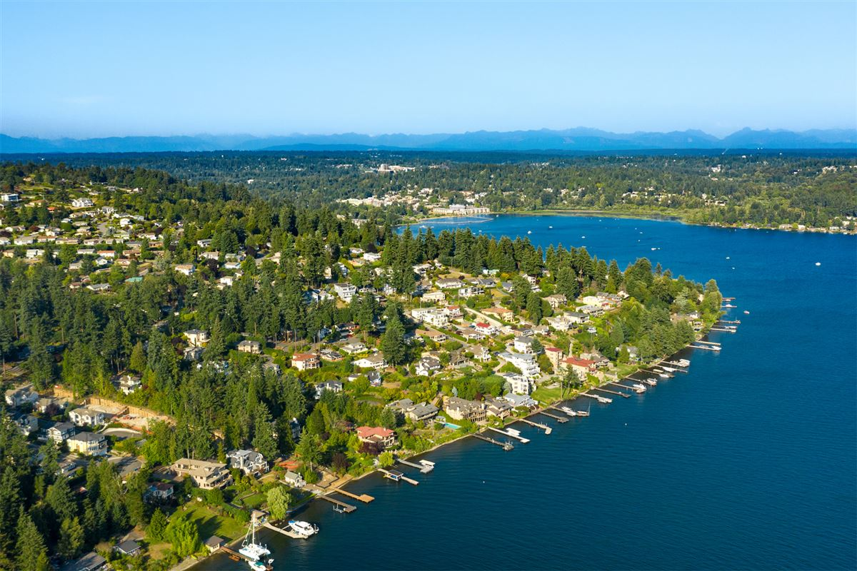 prime southwest-facing waterfront estate lot luxury homes