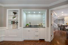 Luxury Living on Evergreen Lane mansions