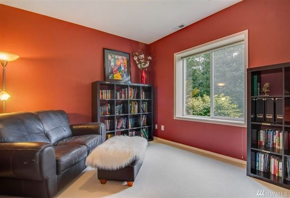 Luxury real estate Deluxe Northwest designer home