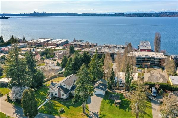 Luxury homes once in a lifetime opportunity in downtown kirkland