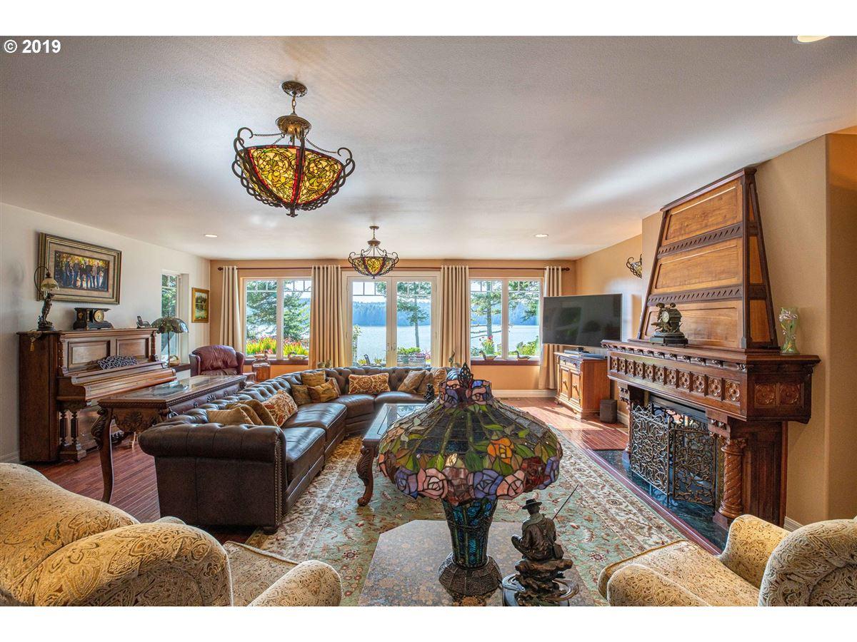 Luxury properties exquisite Hamptons-style Charleston Bay waterfront estate