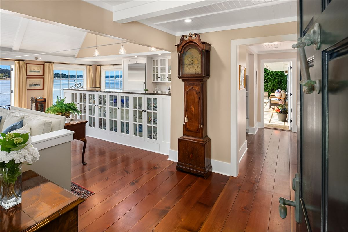 Luxury real estate Captivating Cape Cod on 130 feet of low-bank waterfront