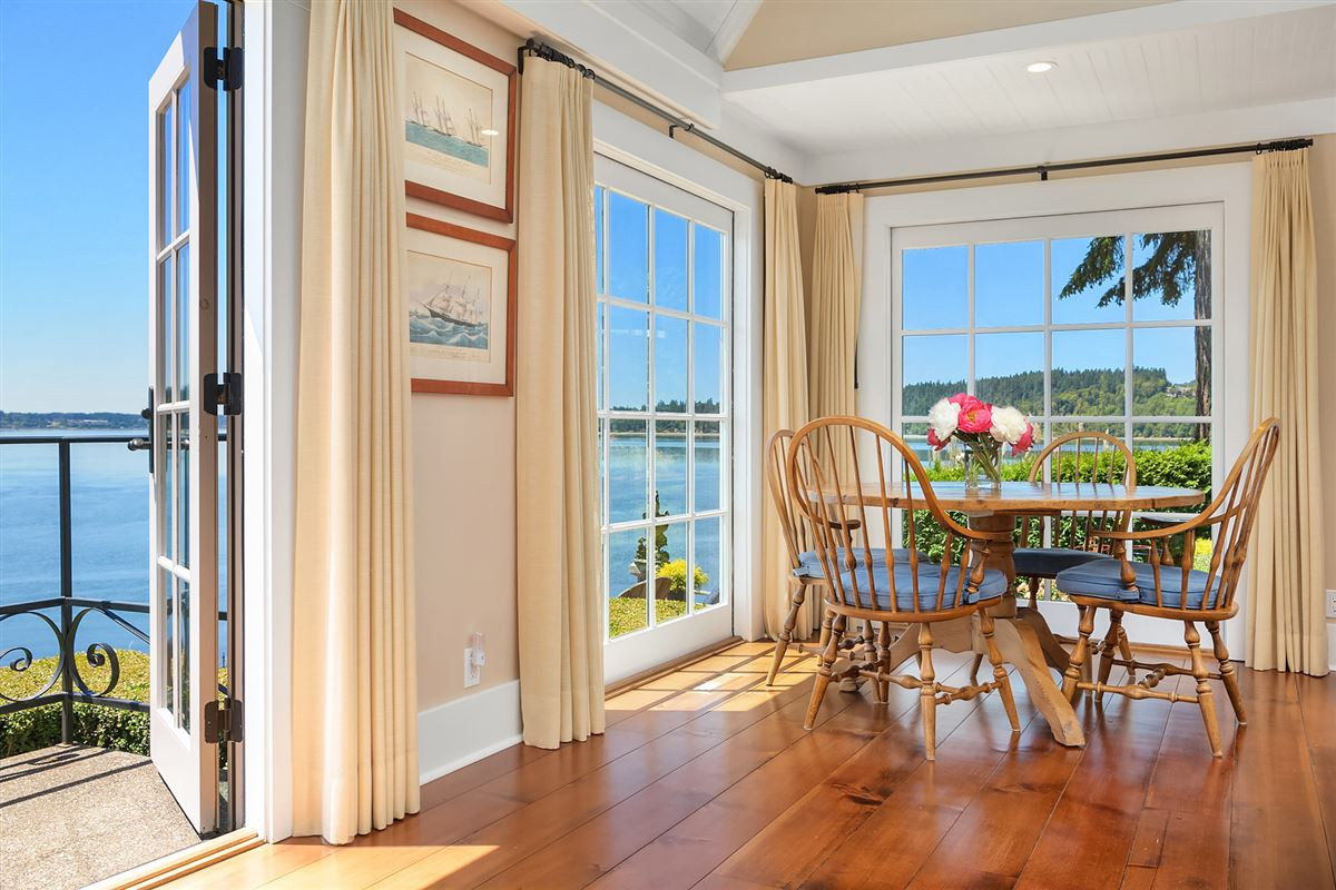 Captivating Cape Cod on 130 feet of low-bank waterfront mansions