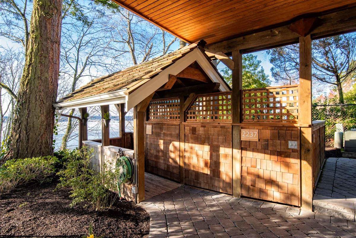 Vacation year-round on the shores of Lake Washington luxury real estate