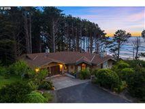 Luxury homes extraordinary Cannon Beach property