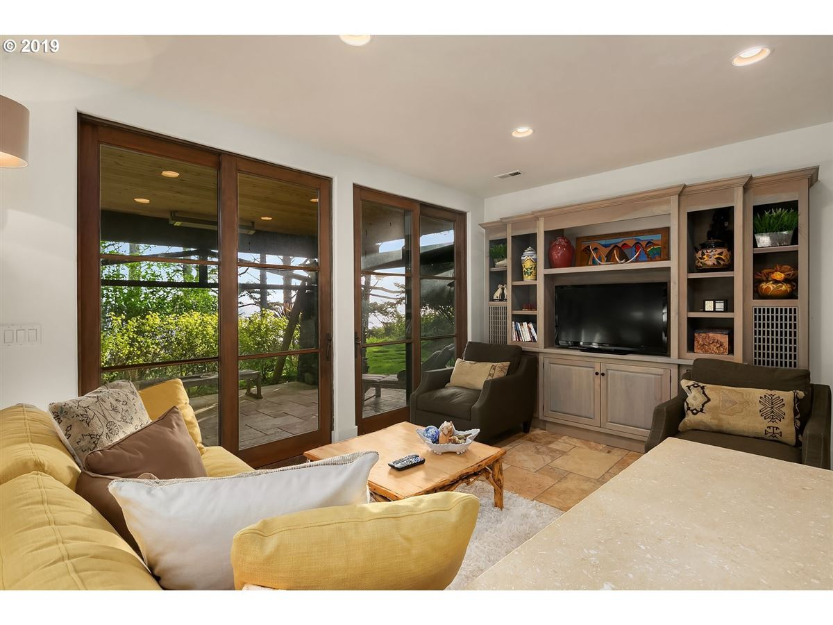 extraordinary Cannon Beach property luxury homes