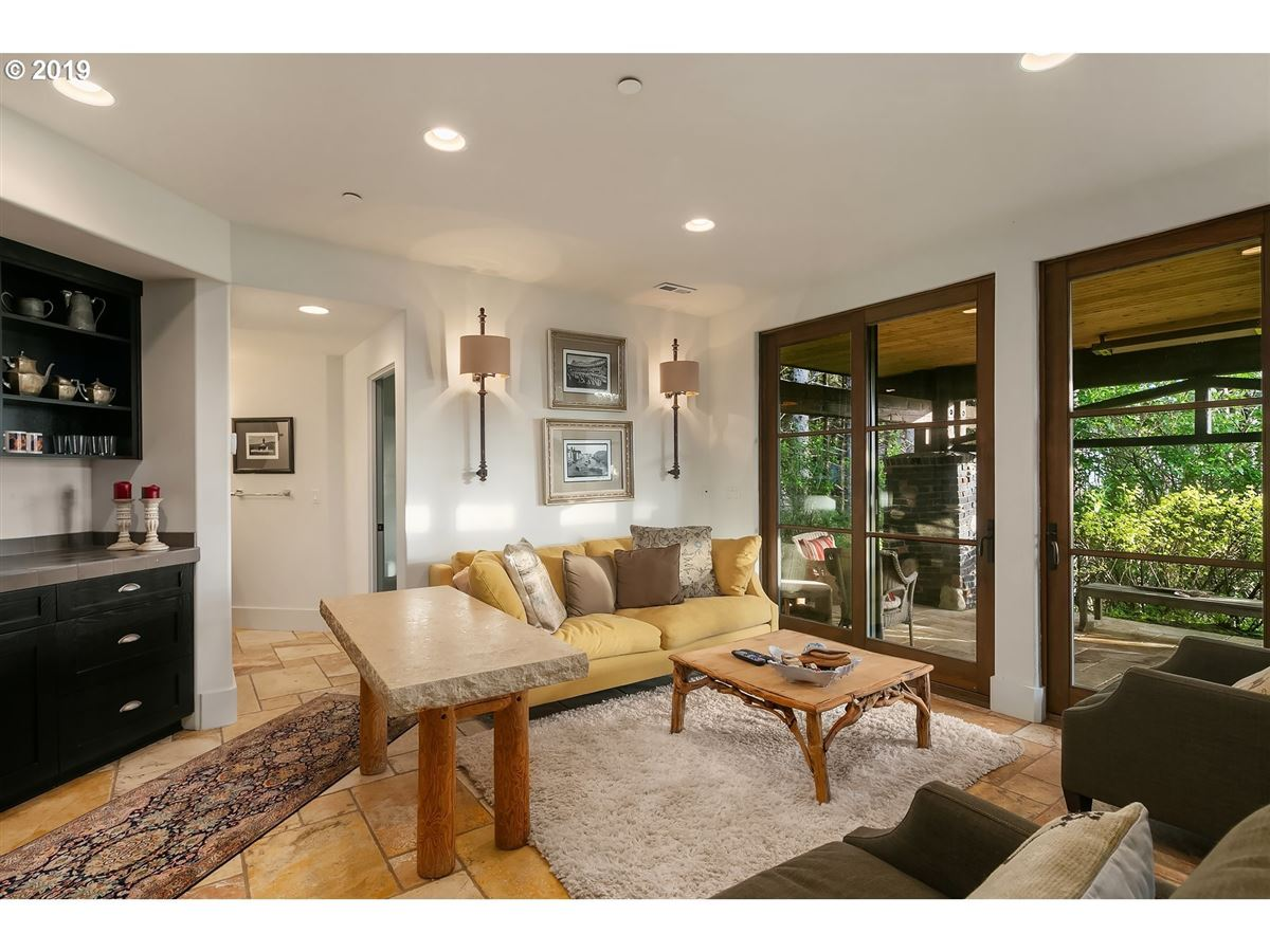 extraordinary Cannon Beach property luxury real estate