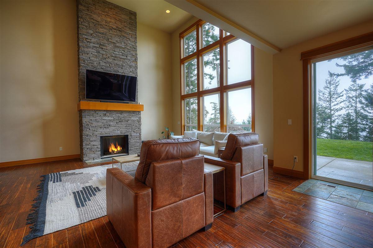 Fox Island sanctuary luxury homes