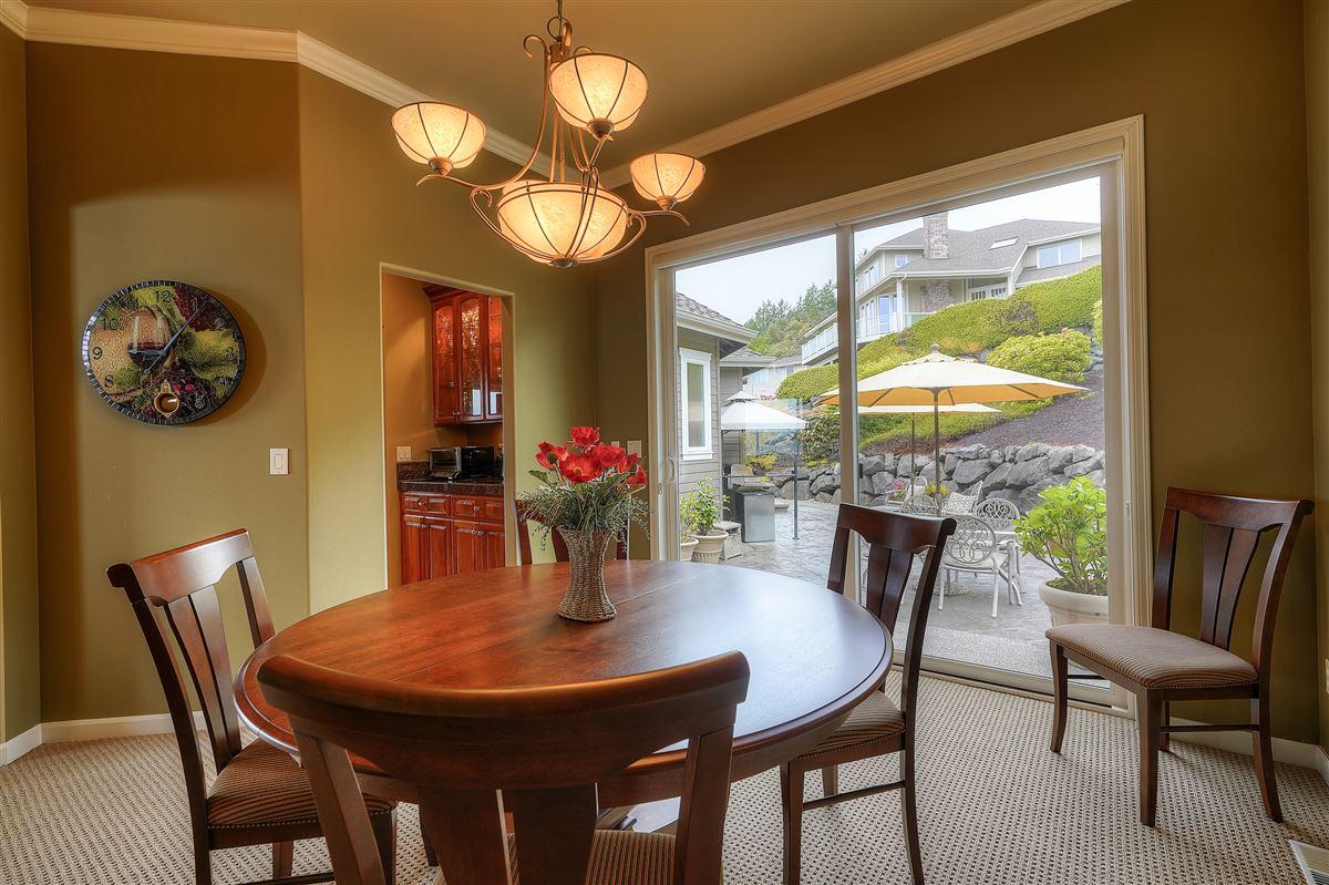 custom home designed to capture amazing views luxury properties