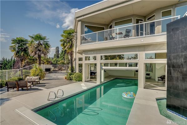 Luxury properties Architecturally significant contemporary home