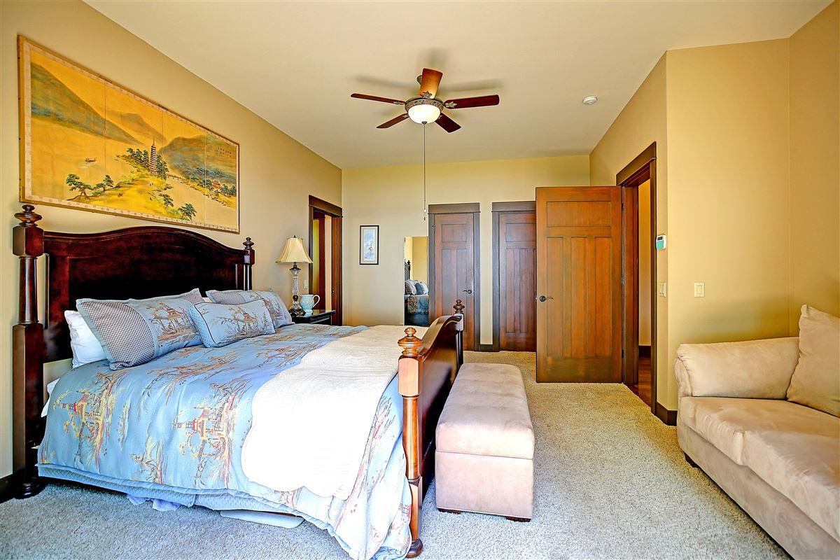 Luxury real estate Mabana Waterfront Estate