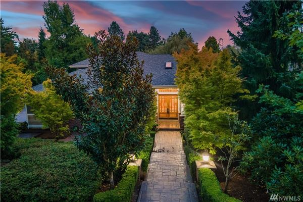 Elegant Luxury, Custom Home in park-like luxury properties