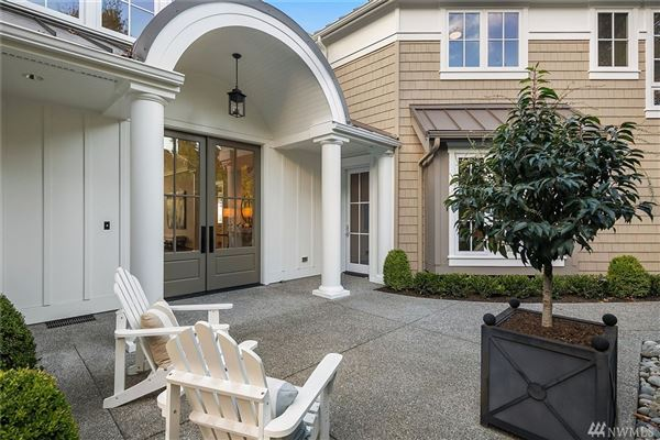 Luxury homes  brand new Hamptons-inspired view estate