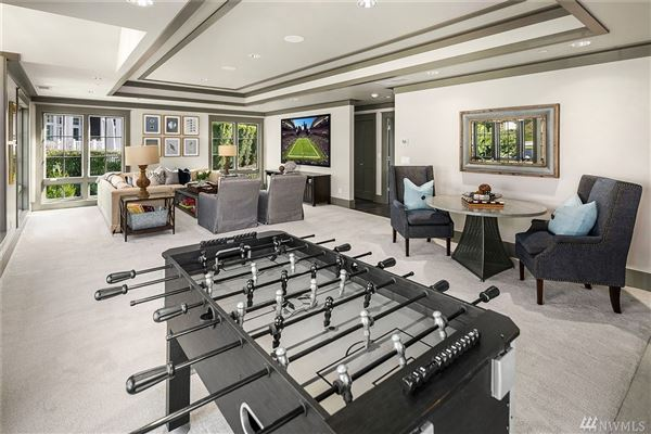 brand new Hamptons-inspired view estate mansions
