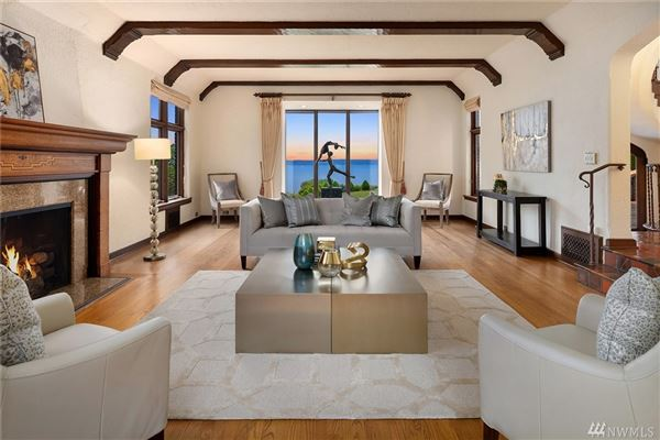 Luxury homes grand Tudor revival