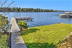 Luxury homes in exclusive Low bank west facing waterfront in Yarrow Point
