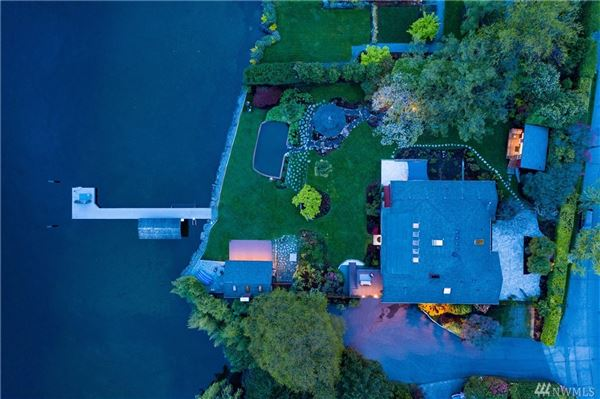 Mansions Private Lake Washington compound