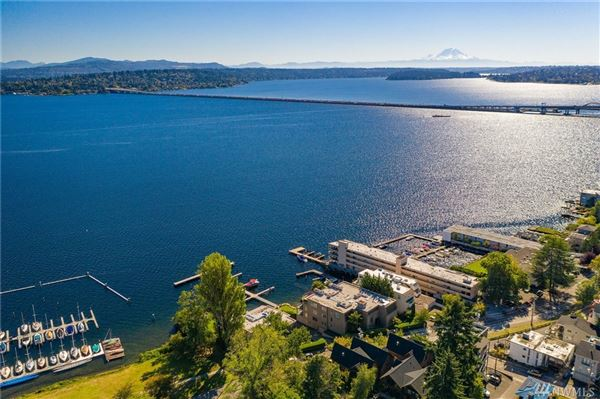 Luxury real estate SOPHISTICATED SEATTLE WATERFRONT WITH DEEDED BOAT SLIP