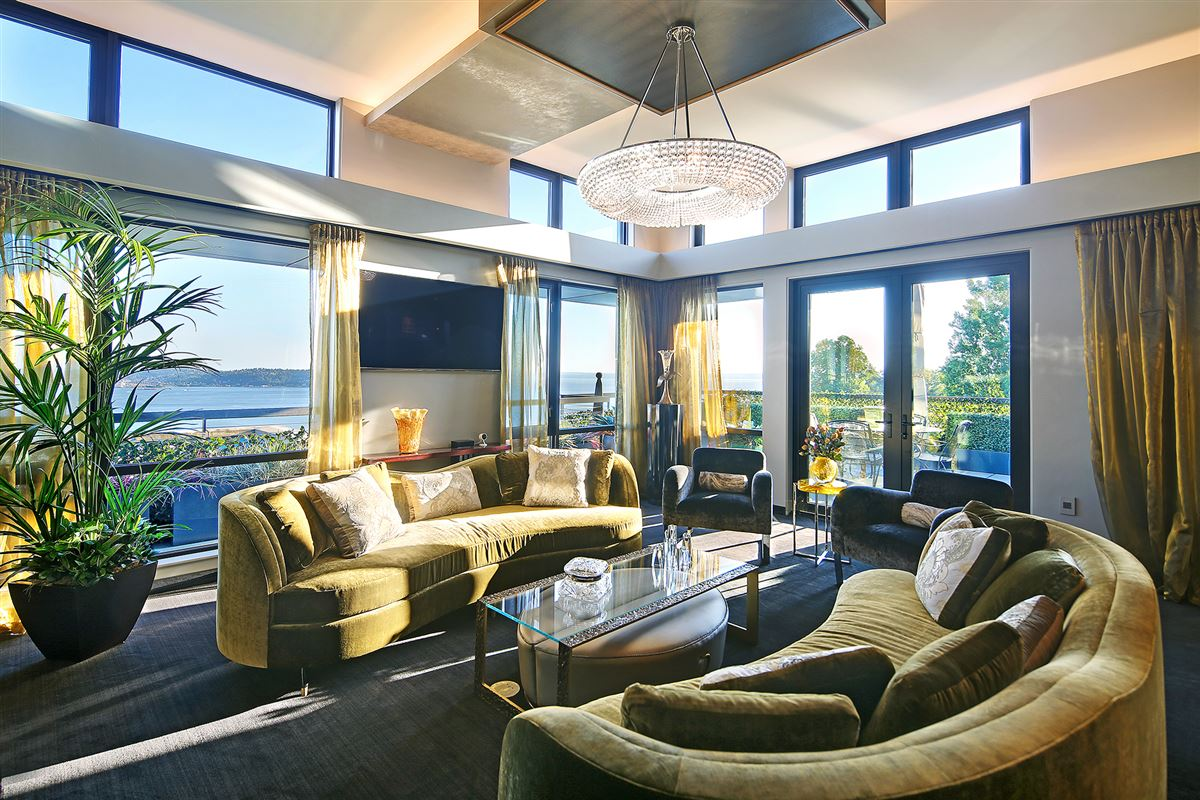 Sophisticated Queen Anne Penthouse luxury homes