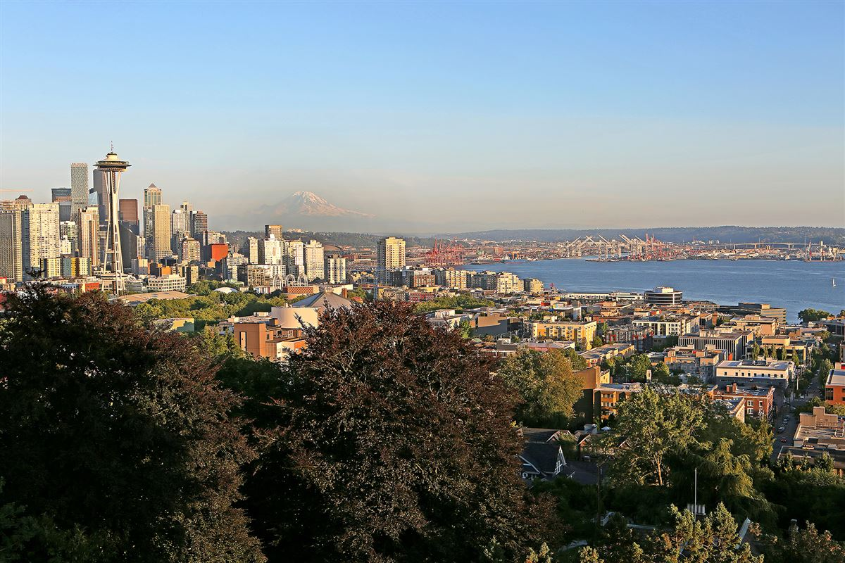 Luxury homes in Sophisticated Queen Anne Penthouse