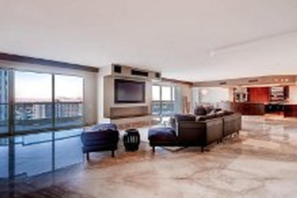 Mansions in world-class Turnberry Place Penthouse