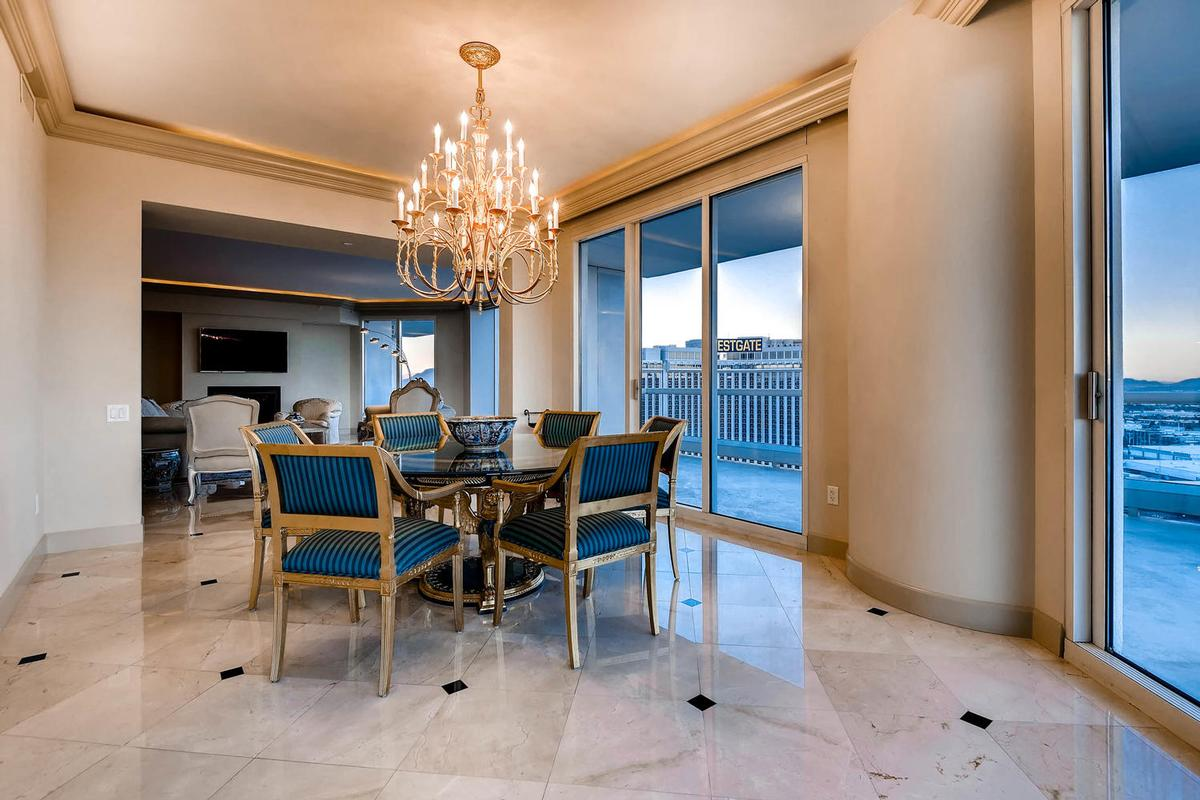 Luxury homes in Elegant Penthouse