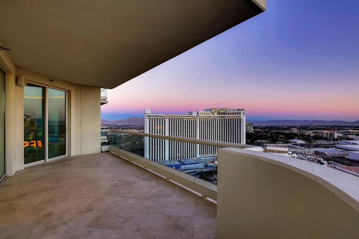 Luxury properties Elegant Penthouse