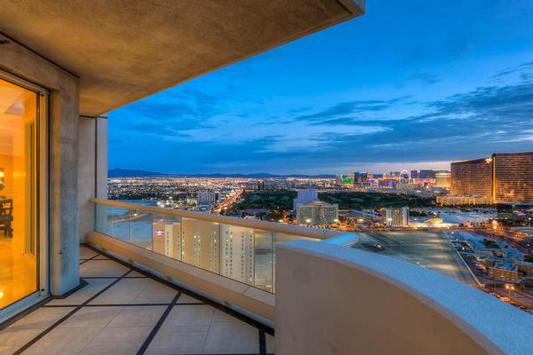 Luxury properties Elegant Penthouse living