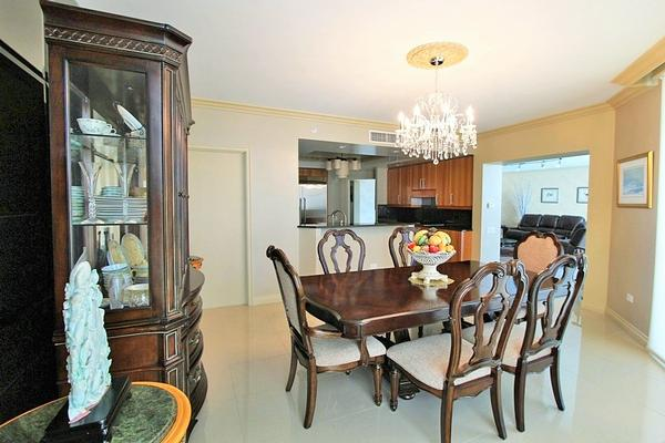 Luxury homes TURNBERRY PLACE CONDO FULLY FURNISHED
