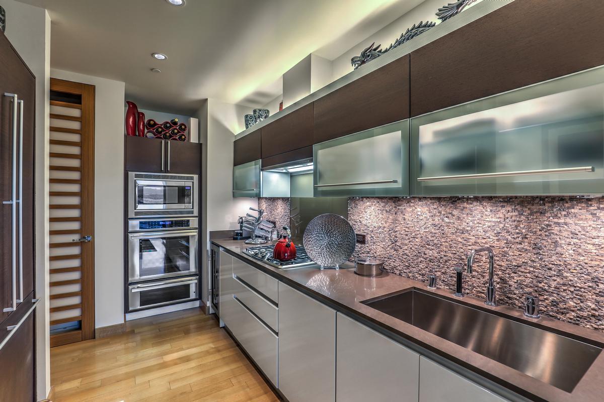 Waldorf Highrise luxury homes