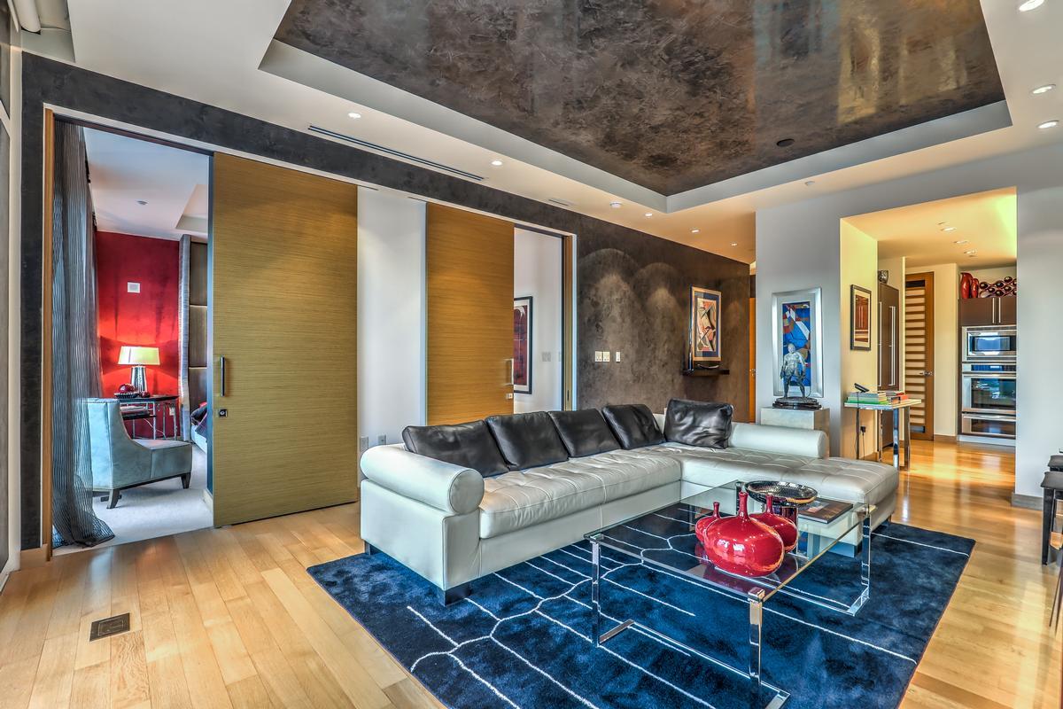 Luxury properties Waldorf Highrise