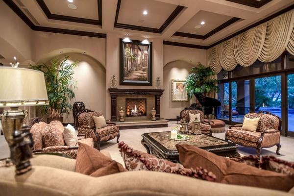 exclusive foothills of MacDonald Highlands luxury homes