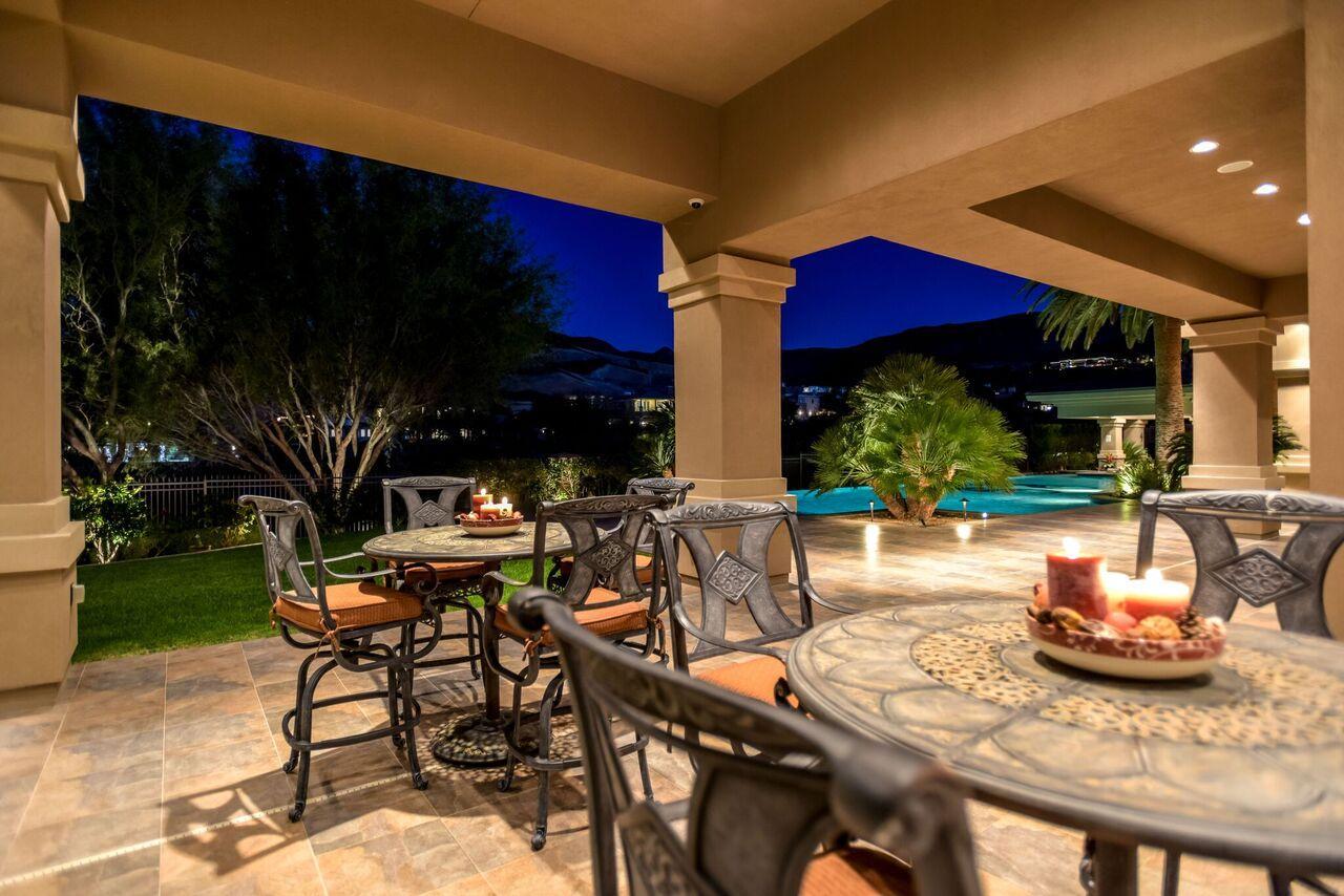 Luxury homes in exclusive foothills of MacDonald Highlands