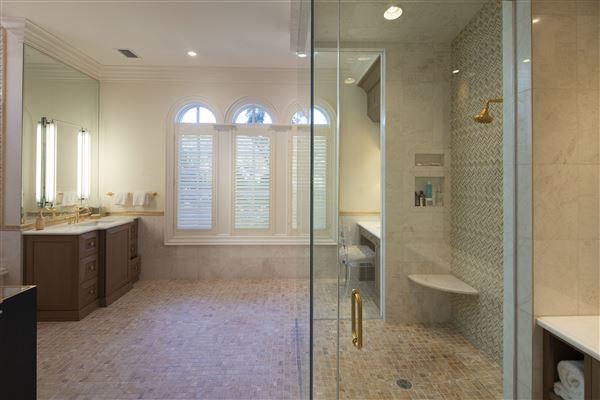 elegance and grandeur  luxury homes