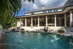 elegance and grandeur  luxury properties