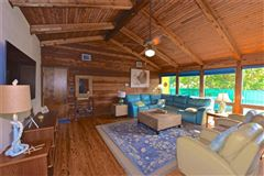Luxury homes in adorable beach get-a-way